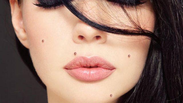 ★顔のほくろ占い★鼻・耳・頬など位置ごとのほくろの意味やジンクスを知ろう!