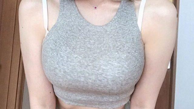 バストアップのツボにエレキバンを貼って育乳♡おっぱいを大きくするツボ5つ
